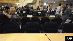 Женева. Конференция залындагы израилдик делегациянын орду беш күн бою бош турат. 20-апрель 2009