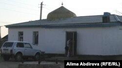 Мечеть в поселке Шубарши Темирского района, построенная под началом лидера мусульманского меньшинства Азамата Каримбаева.