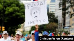 Čak i oni koji nikada ranije nijesu uzašli na ulice traže okončanje diktature predsjednika Nicolasa Madura