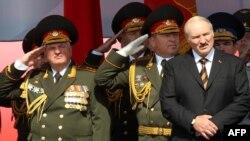 Александр Лукашенко на параде в честь Дня независимости Белоруссии