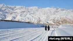 آرشیف، روز آفتابی پس از بارش برف در ولایت بامیان