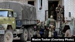 Українські військові на своїх позиціях біля Авдіївки