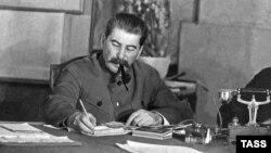 Sovet isterninə Stalinmi sərəncam verib?