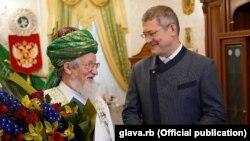 Тәлгать Таҗетдин һәм Радий Хәбиров.