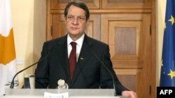 Կիպրոս - Նախագահ Նիկոս Անաստասիադեսը դիմում է ժողովրդին վիճահարույց որոշման կապակցությամբ, Նիկոսիա, 17-ը մարտի, 2013թ.