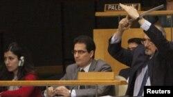 مندوب سوريا الى الأمم المتحدة بشار الجعفري خلال التصويت على قرار الجمعية العامة بشأن بلاده