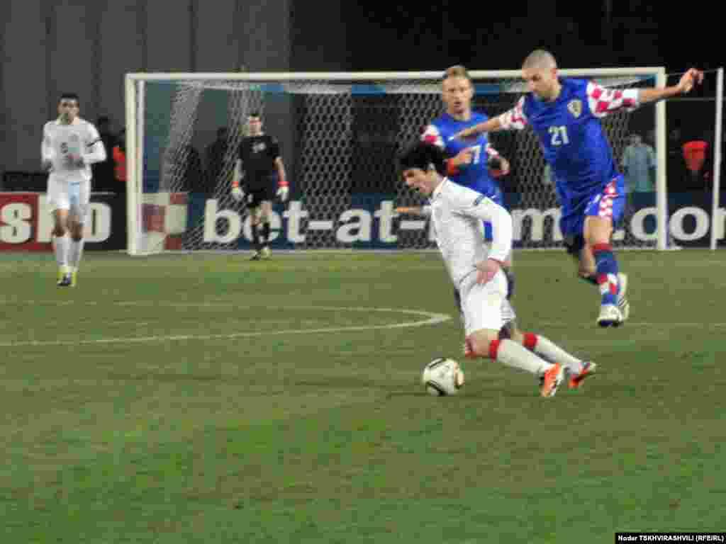 Леван Кобиашвили с мячом