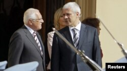 Тадиќ на средба со чешкиот претседател Вацлав Клаус