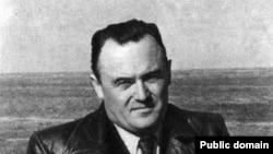 Главный конструктор космических кораблей Сергей Королев на ракетном полигоне Капустин Яр в 1953 году.