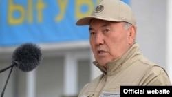 Террорга қарши машғулотларда иштирок этган президент Нурсултан Назарбоев