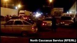 Трасса Ростов-Баку в районе Манаса вечером 24 апреля