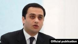 Руководитель офиса второго президента Армении Виктор Согомонян (архив)