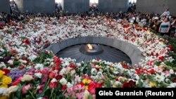 Հայոց ցեղասպանության զոհերի Ծիծեռնակաբերդի հուշահամալիրը ապրիլի 24-ին, արխիվ
