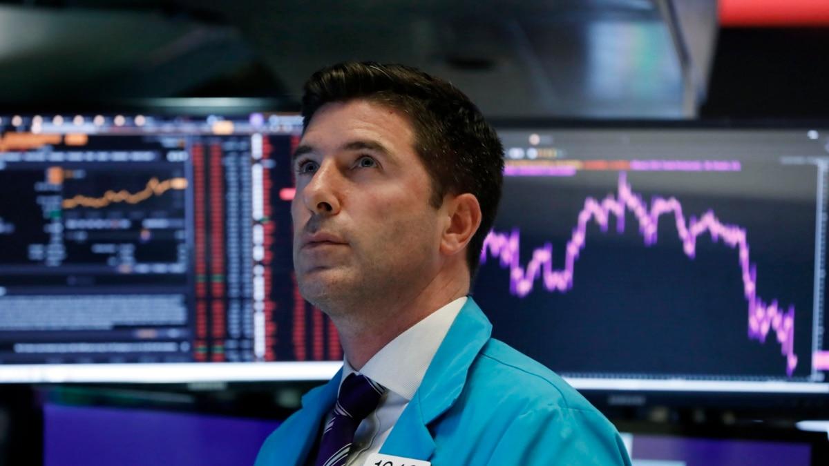 На фондовом рынке США произошел крупнейший обвал за всю историю
