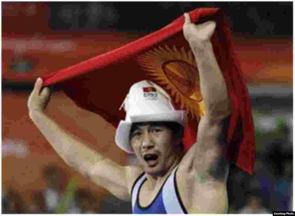 Борец Данияр Кобонов стал капитаном национальной олимпийской команды КР