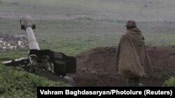 ԼՂ ՊԲ զինծառայողը Մարտակերտի մատույցներում, 3-ը ապրիլի, 2016թ․