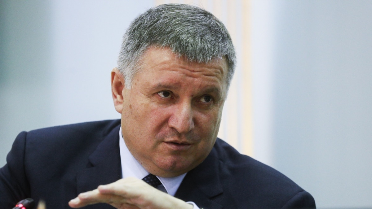 Украина полностью откроет границы с соседями в середине июля – Аваков