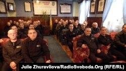 Засуджені під час перегляду стрічки, знятої в колонії, Харків, 8 грудня 2011 року