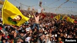 Курды проводят акцию протеста, Диарбекир, Турция (архивная фотография)