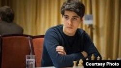 آرین تاری چند ماه دیگر باید در پیکارهای جام جهانی شطرنج بازی کند