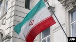 Flamuri iranian në ndërtesën e ANEB-it, Vjenë.