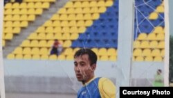 Фото Талгата Туреева на футбольном поле. Снимок из семейного архива.