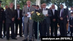 Armenia -- Russia's Ambassadror to Armenia Vyacheslav Kovalenko (C) addresses the press in Gyumri, 1Sep2011.
