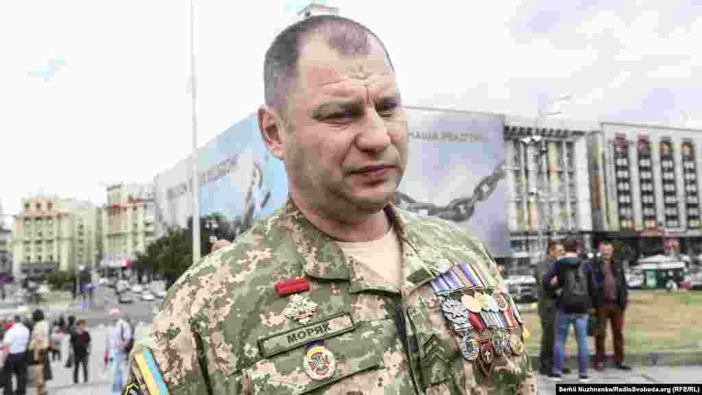 Олександр Ламбурський на позивний «Моряк» – боєць 30-ї ОМБр, брав участь в бою за Логвінове 12 лютого 2015 року