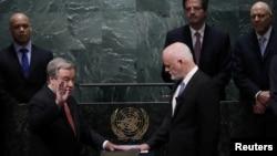 Antonio Guterres duke e dhënë betimin si shef i OKB-së më 12 dhjetor 2016