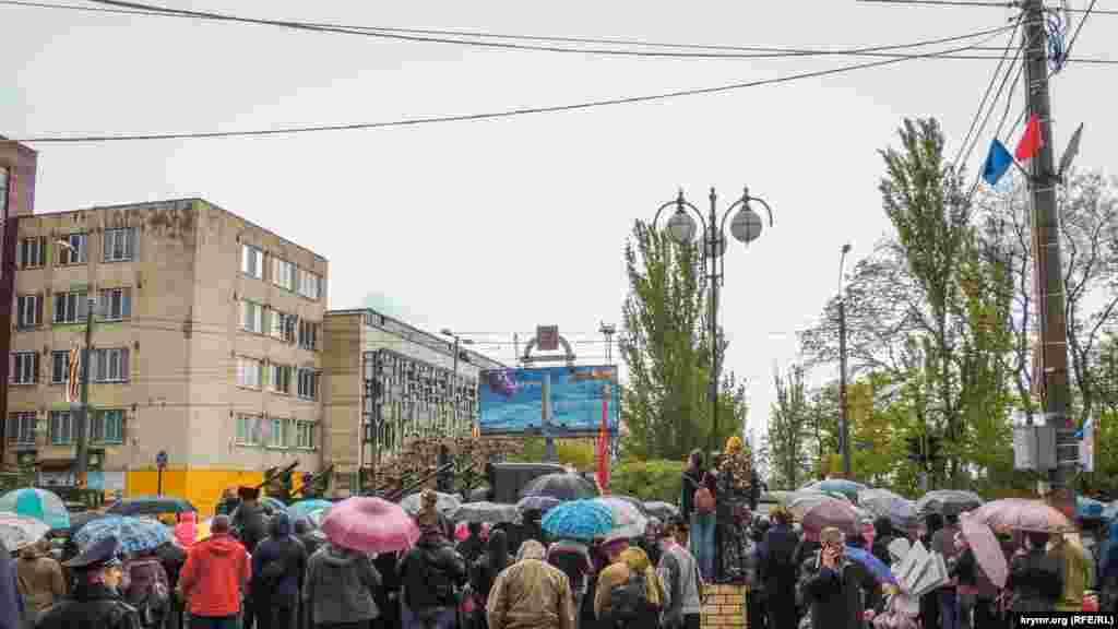 Keriçte mayısnıñ 9-nda «Ölümsiz polk» Rusiye aktsiyası quvetleştirilgen telükesizlik tedbirlerinen keçirildi