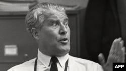 """Вернер фон Браун, автор лунной программы США и """"оружия возмездия"""" Третьего рейха."""