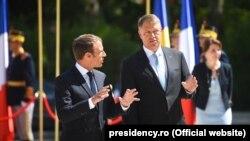 Emmanuel Macron cu președintele Klaus Iohannis, la București