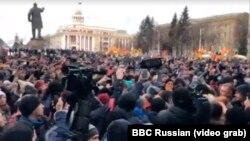 Несанкционированный митинг в Кемерове после смертельного пожара