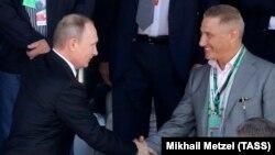 Владимир Путин (слева) и Борис Ротенберг