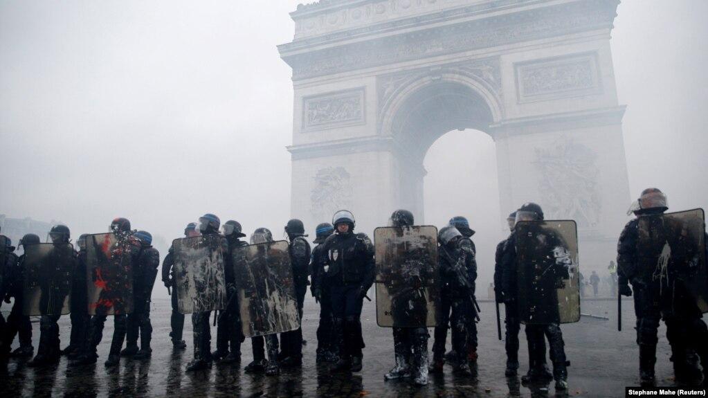 Протесты во Франции: в Марселе от ранений умерла женщина