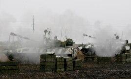 """Танковые учения """"отрядов пророссийских сепаратистов"""" в Донецкой области Украины. 4 февраля 2016 года"""