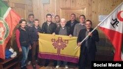 2014 елны Арчада узган Русия асаба халыклары берләшмәсе утырышында катнашучылар. Архив фотосы.