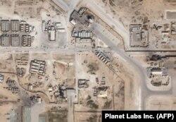 Спадарожнікавае фота амэрыканскай базы Айн аль-Асад пасьля іранскага ракетнага ўдару, 8 студзеня 2020