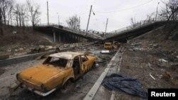 Донецк аэропортунан алыс эмес жердеги атышуудан кийинки көрүнүш, 3-март, 2015-жыл