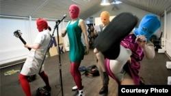 """Pussy Riot: панк-молебен"" Майка Лернера и Максима Поздоровкина (Фото: www.sundance.org)"
