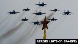 Росія не впускає можливості продемонструвати свою військову міць