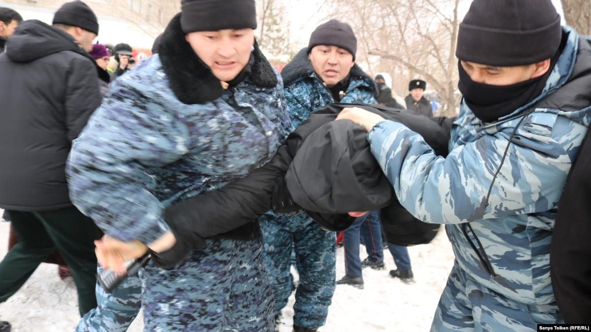 Мирзиёев поздравил Токаева с выдвижением его кандидатом на предстоящих выборах президента Казахстана
