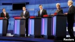 Политики-республиканцы в ходе теледебатов