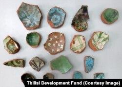 Археологические находки, обнаруженные во время раскопок на площади Гудиашвили