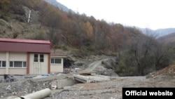 """Изведбени работи на Тресонечка река за хидро-електрана Тресонче во 2013 година. Извор """"Фронт 21/42."""""""