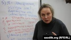 Asli toshkentlik Valentina Chupik - Rossiyadagi migrantlar bepul yuristi
