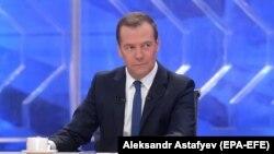 Дмитрий Медведев маектешүү учурунда. 30-ноябрь, 2017-жыл