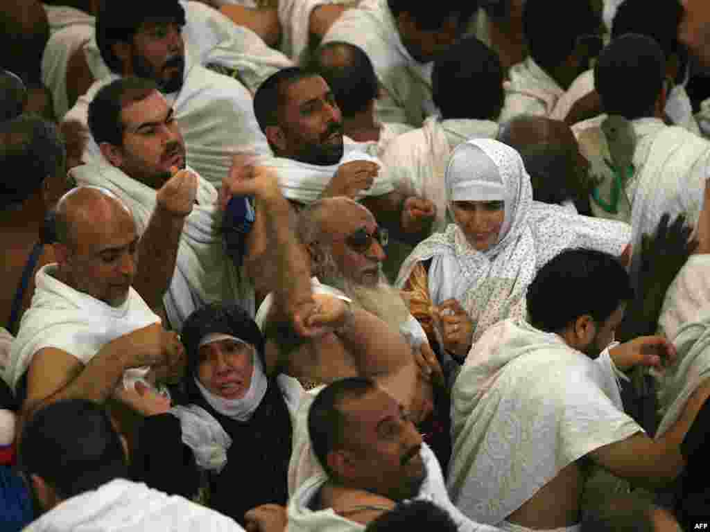 The pelting with pebbles, which results in some of the densest crowds of the hajj, symbolizes defiance of evil. (AFP PHOTO/MAHMUD HAMS)