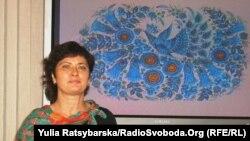 Майстриня петриківського розпису Галина Назаренко, Дніпропетровськ, 14 жовтня 2011 року