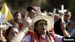 Еквадорські католики зустрічають папу Франциска. 5 липня 2015 року